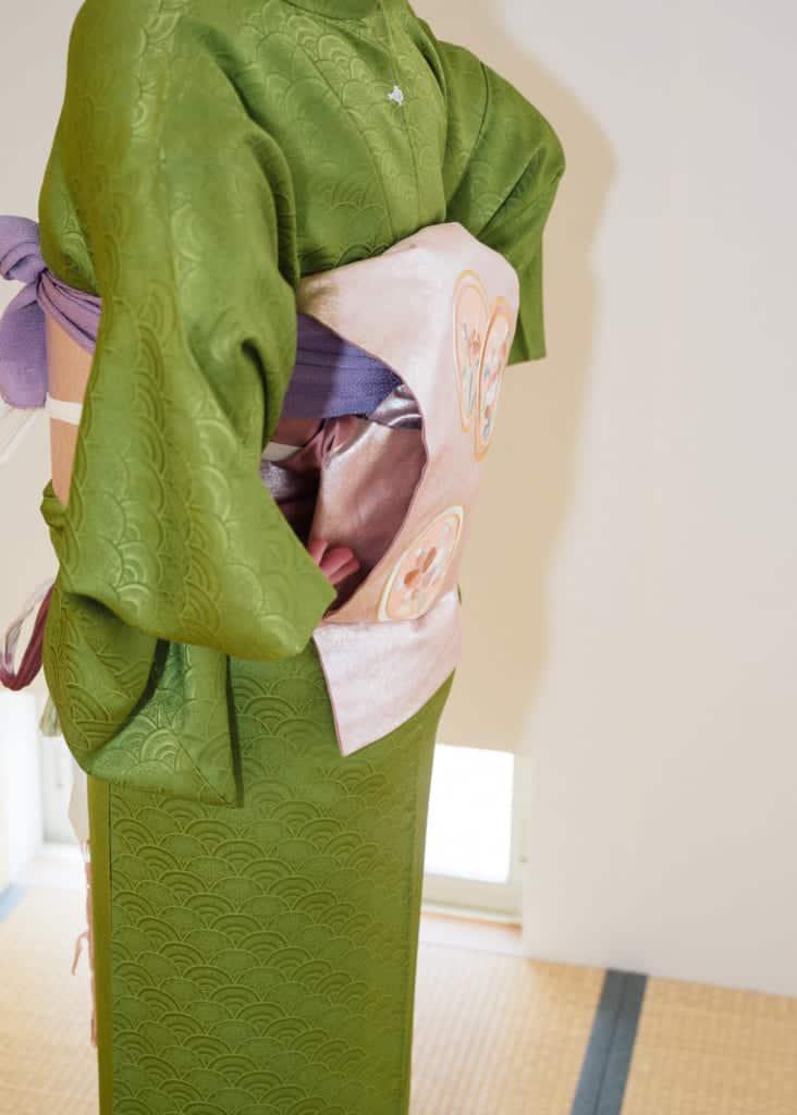 l'excédant de tissu est caché à l'intérieur de la boucle