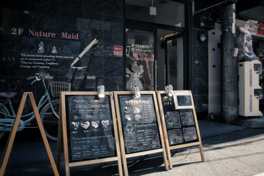 Maid Café à Osaka