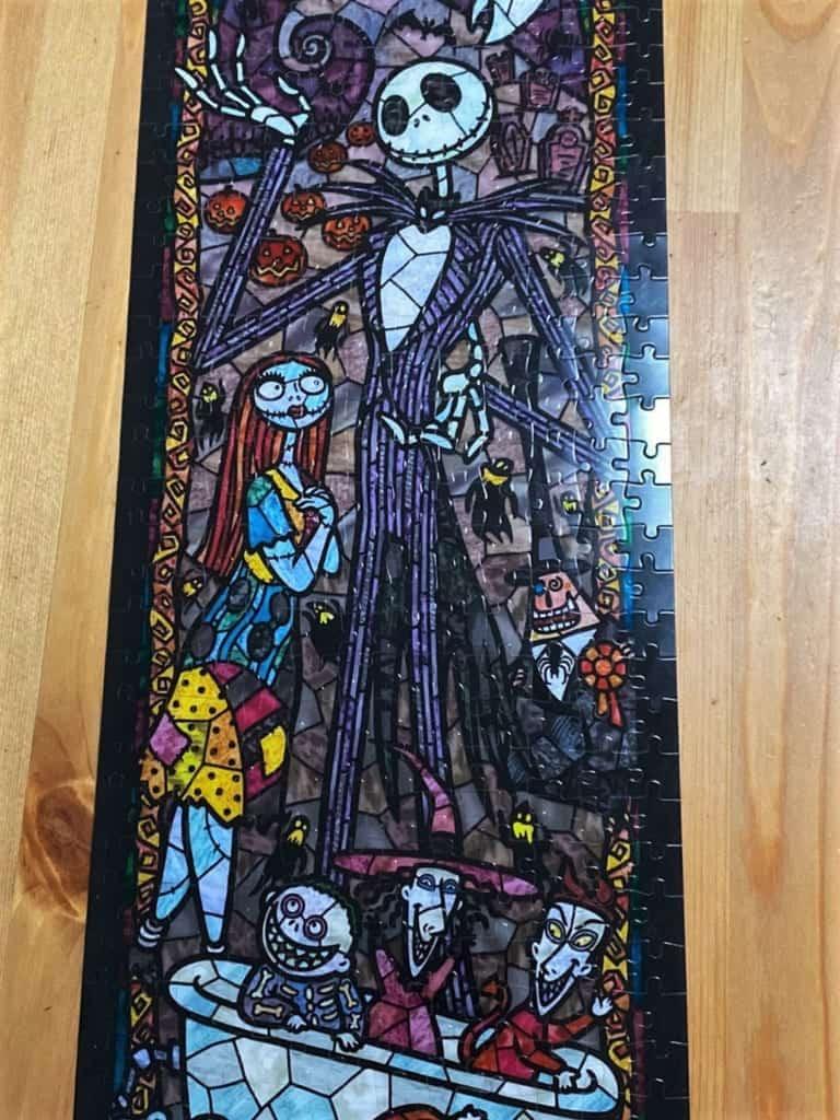 terminer le puzzle de l'étrange noel de monsieur Jack fut compliqué mais le résultat est magnifique