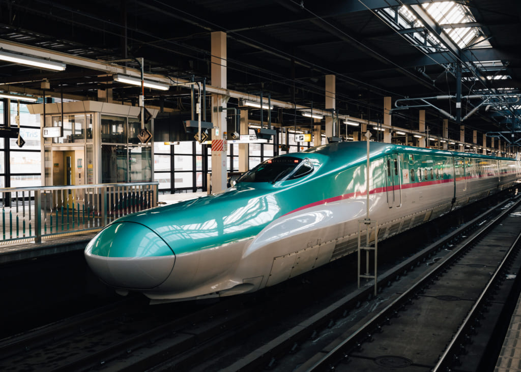 un train à grande vitesse du japon : un shinkansen