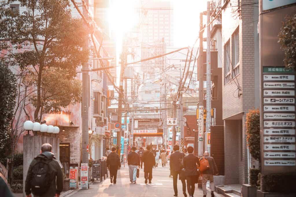 Rue à l'ambiance vintage du quartier nakazakicho