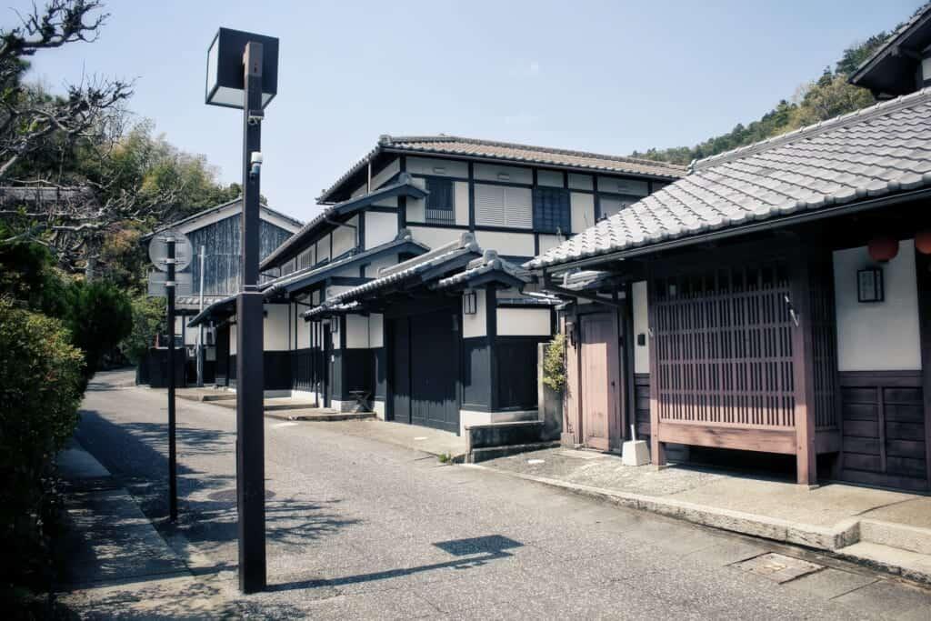 l'architecture traditionnelle de Saga Toriimoto, une ruelle de Kyoto