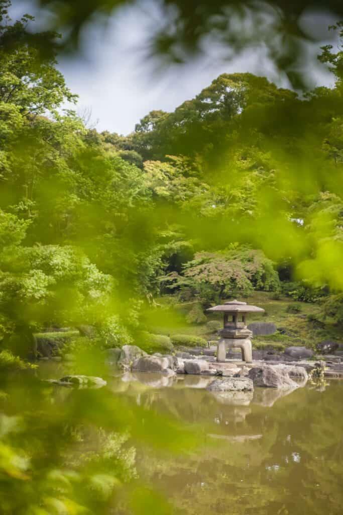 Jardin japonais dans le quartier Oji à Tokyo