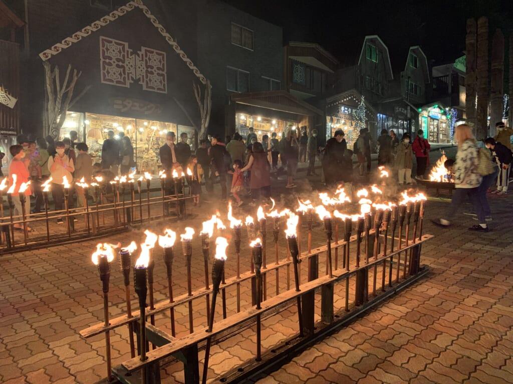 Cérémonie aïnoue à Akan Kohan après la retraite aux flambeaux