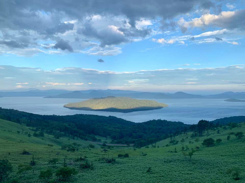 Le lac Kussharo et l'île Nakajima