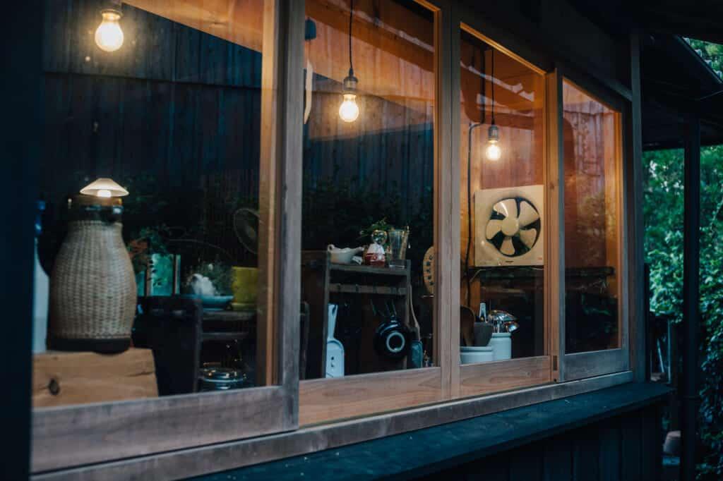 la cuisine d'une kominka sur l'île d'Ojika, préfecture de Nagasaki