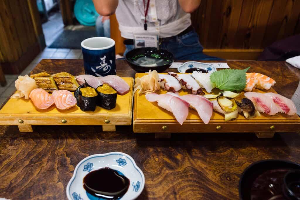 Plat de sushi à Ojika dans le restaurant Sushi Jeiroku