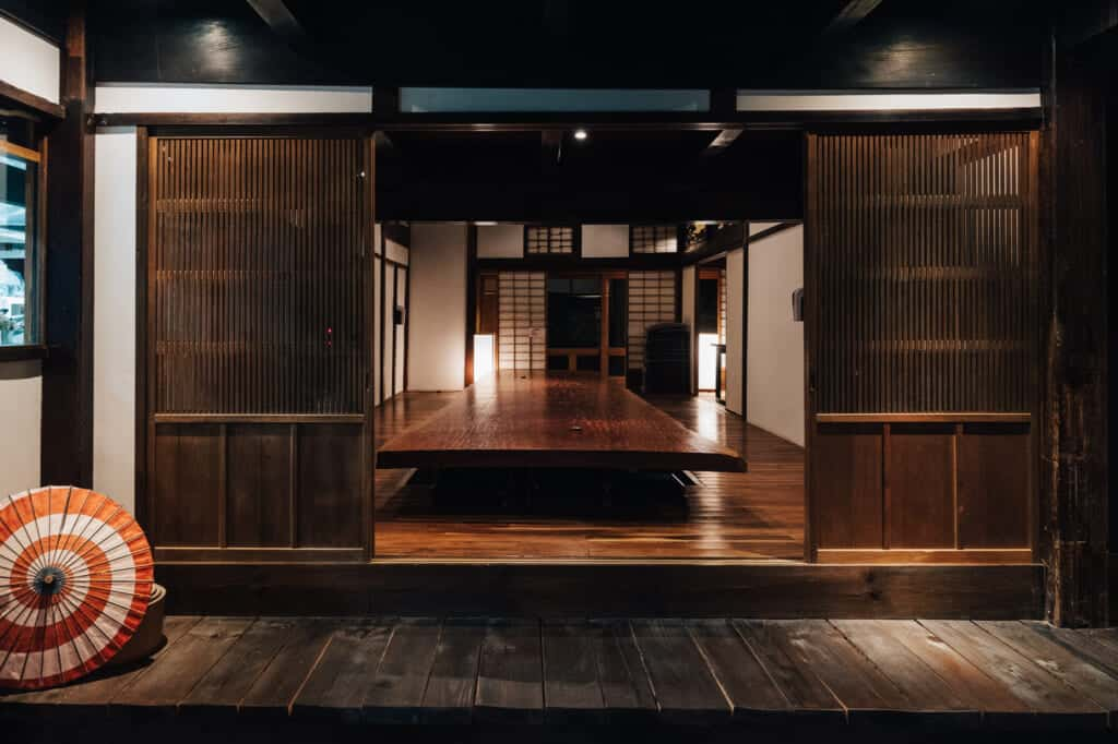 salle à manger d'un restaurant traditionnel japonais