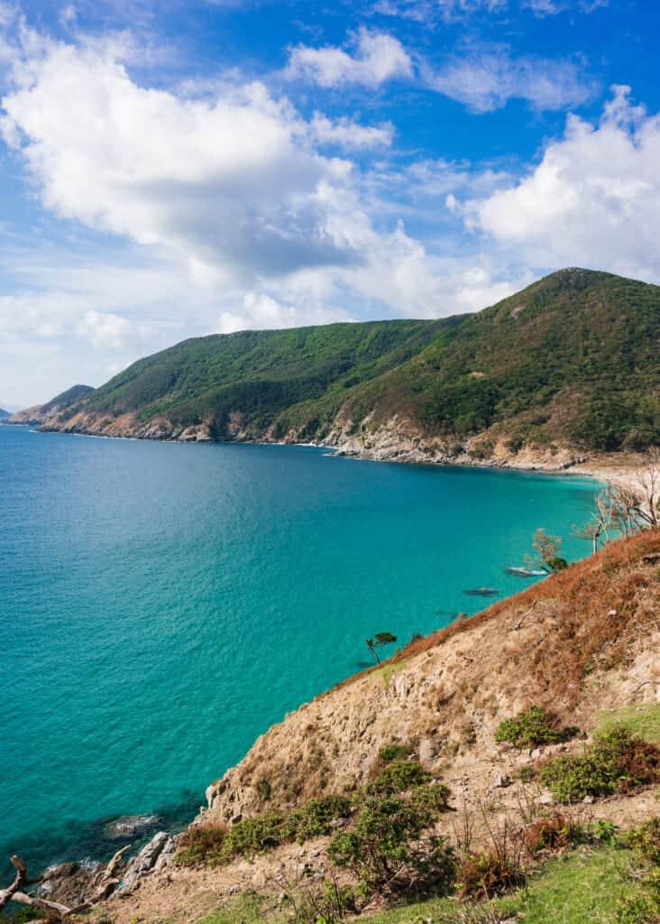 La plage de Nokubi vue depuis les hauteurs de l'île de Nozaki