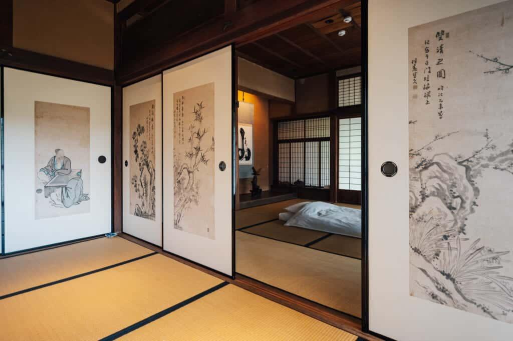 L'intérieur d'une maison japonaise traditionelle rénovée
