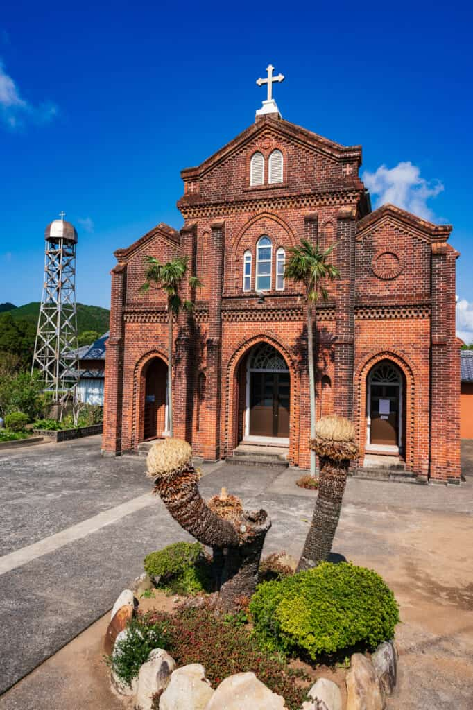 Vue de face de l'église de Kusahara, îles de Goto