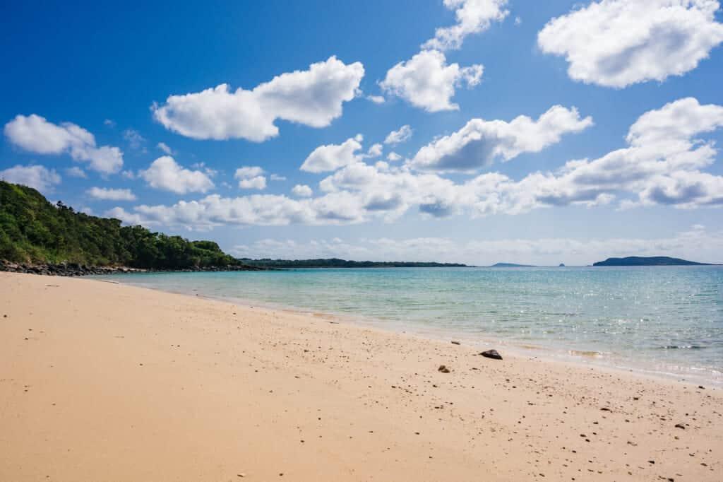 La plage de kojushi sur l'île de Fukue