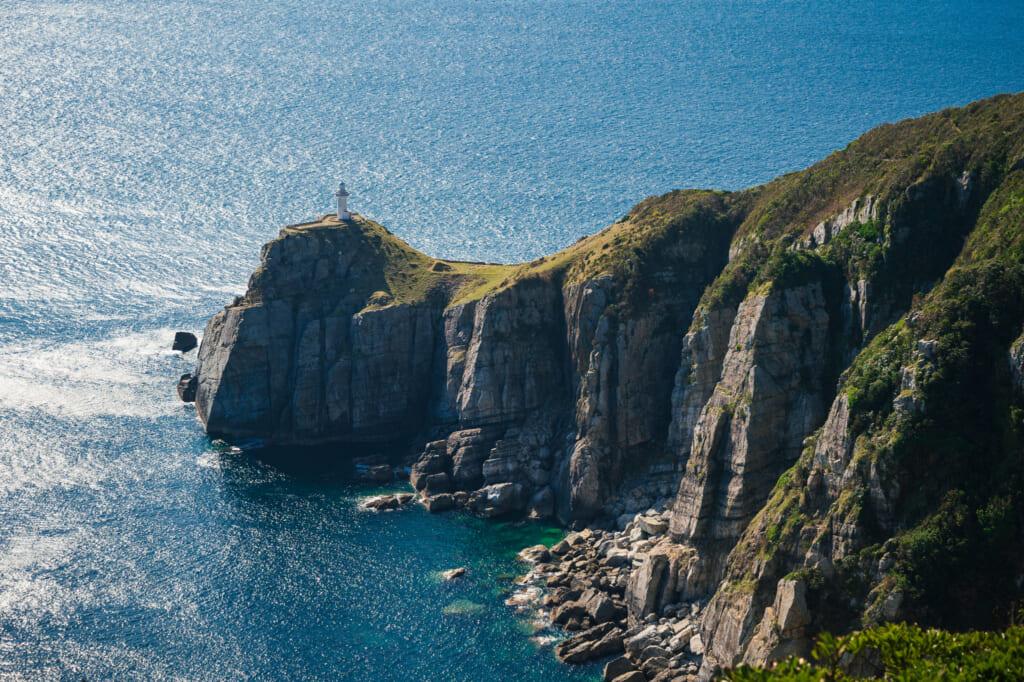Le phare d'Osezaki depuis le point d'observation