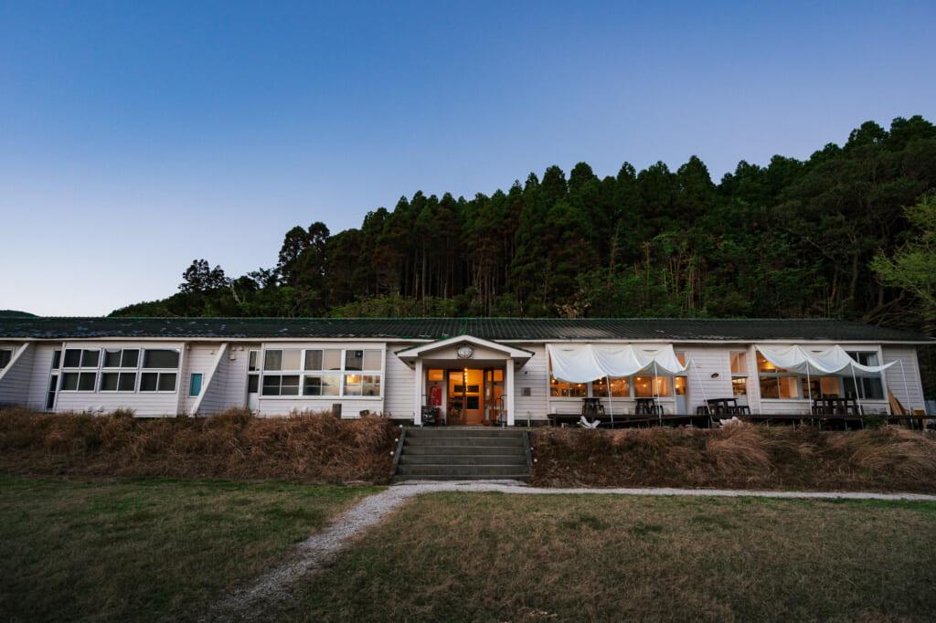 Une ancienne école sur les îles Goto à nordisk village