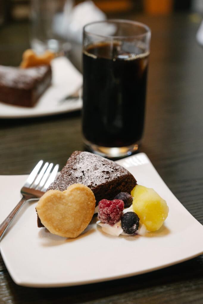 dessert et café dans un restaurant à Goto
