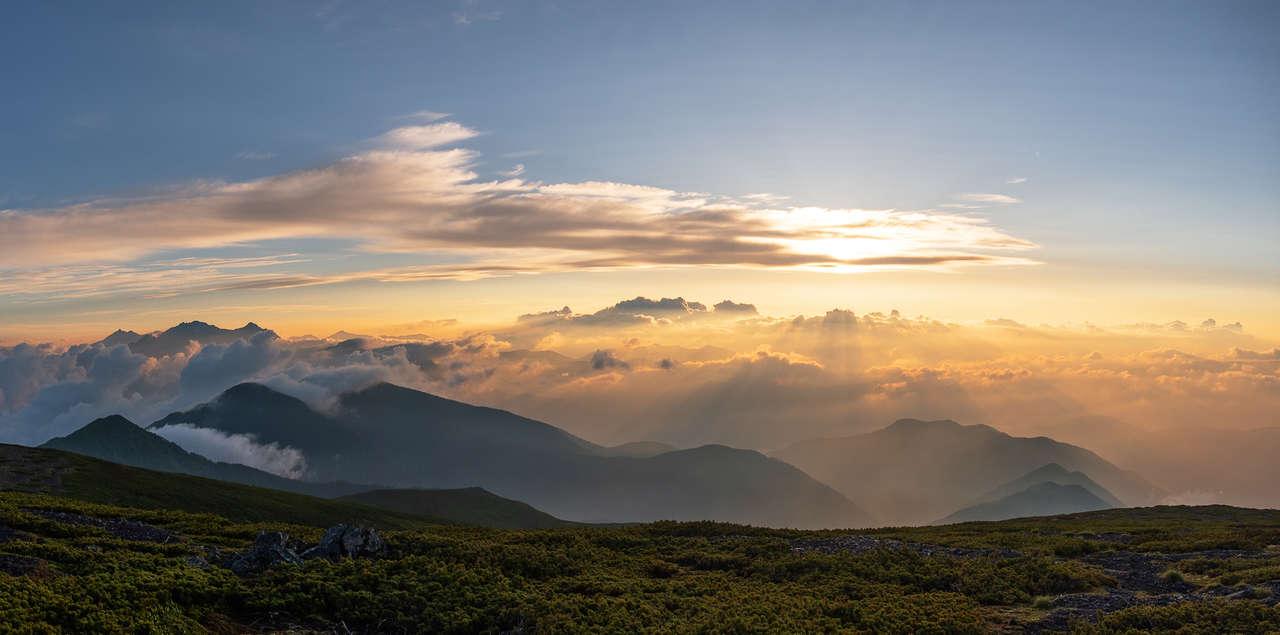 Pourquoi appelle-t-on le Japon pays du soleil levant?