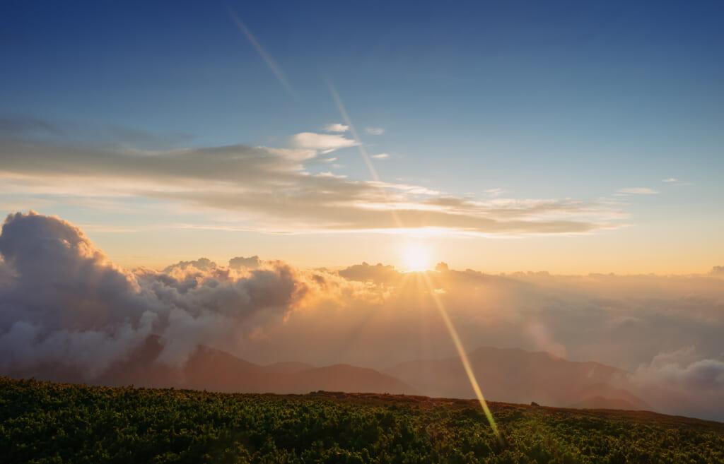 Lever de soleil sur le mont norikura dans la préfecture de Gifu