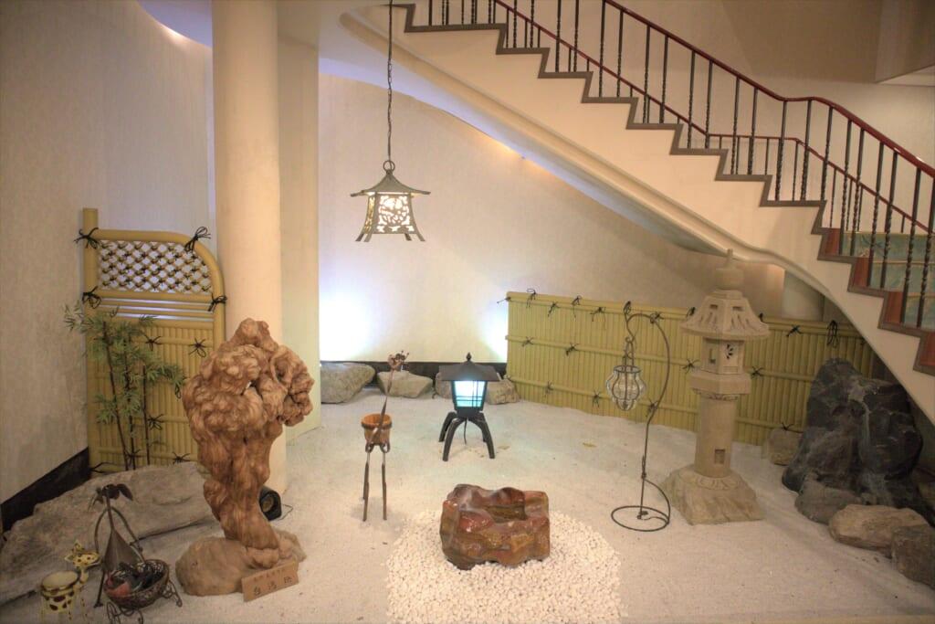 Hall d'un hôtel de l'île de Sado
