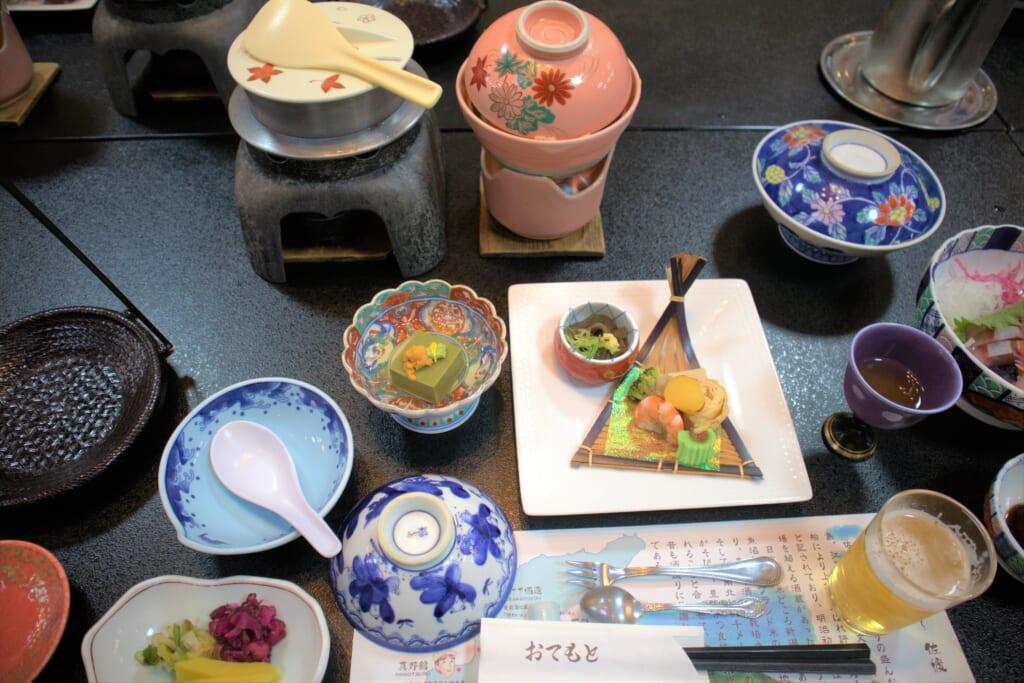Set repas au Ryotsu Yamaki Hotel