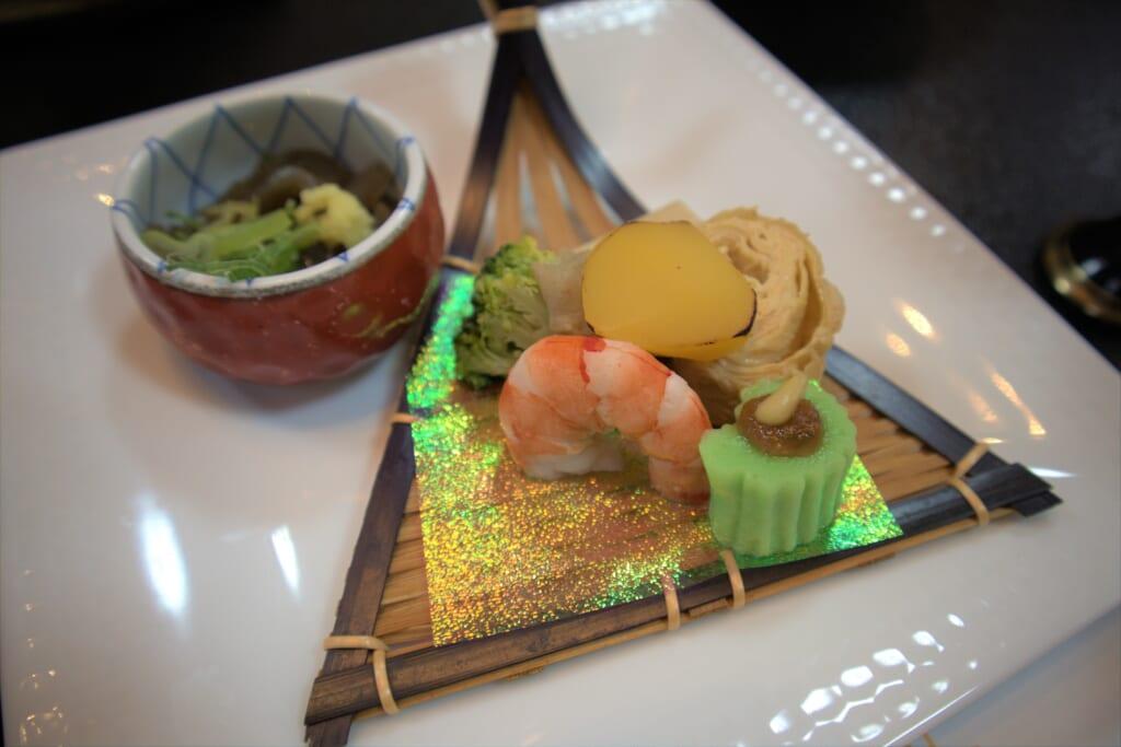 plat de crevettes dans un hôtel japonais