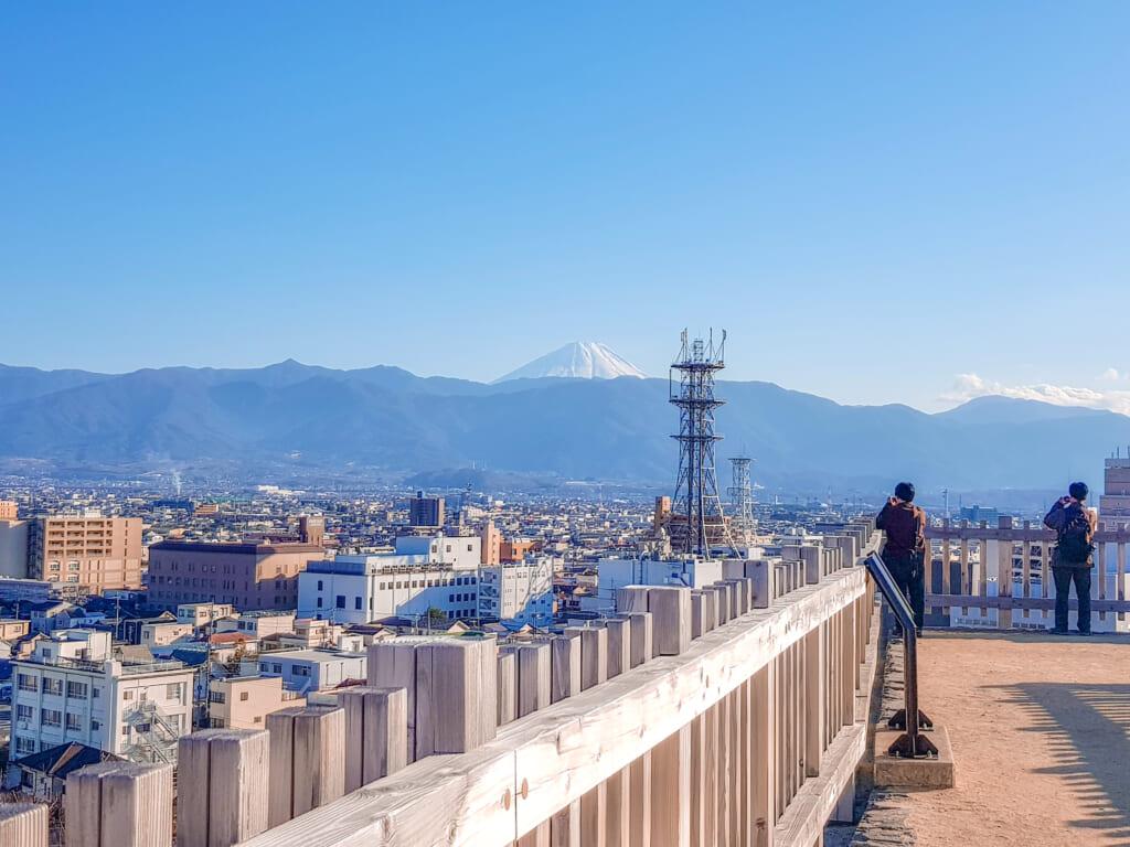 Vue du Mont Fuji depuis le château de Kofu