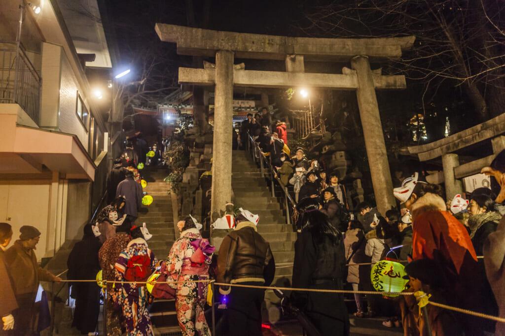 la parade des renards pour le nouvel an à Oji, un quartier de Tokyo