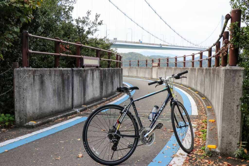 Le pont de Kurushima depuis l'île d'Oshima