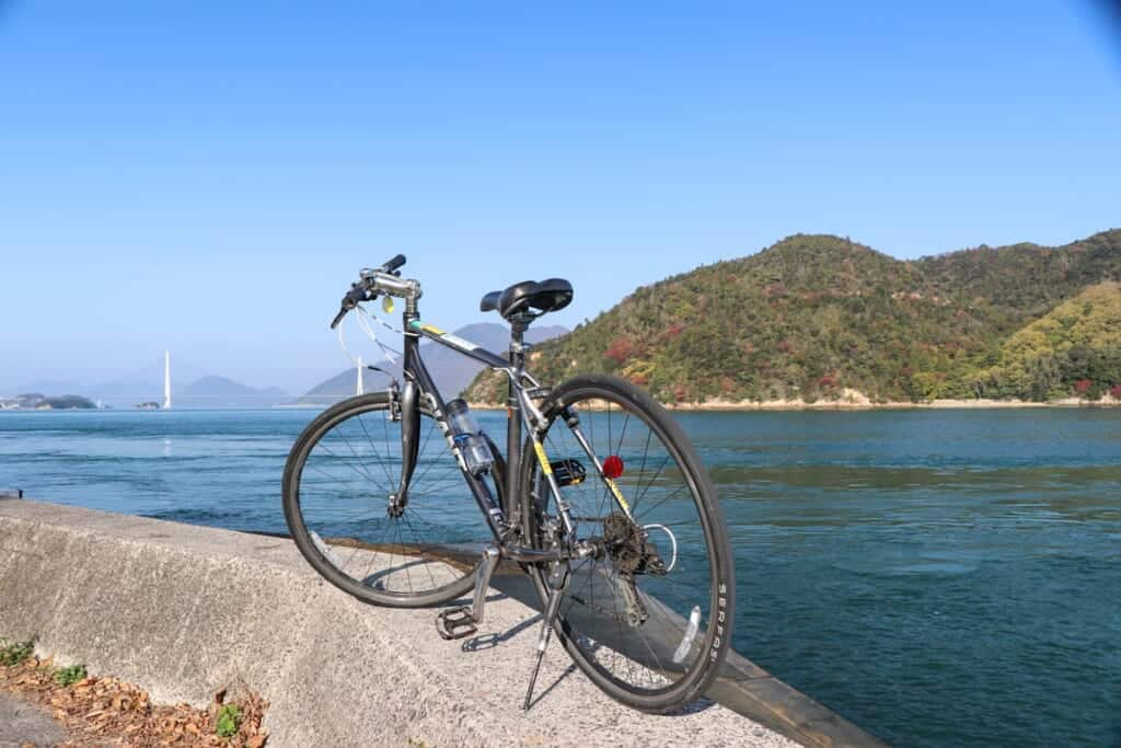 Vélo sur la route de la Shimanami Kaido