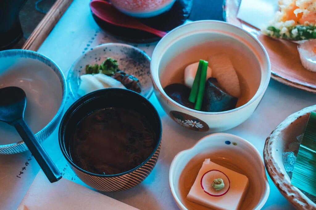 Assortiment de plats japonais