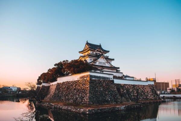 Château de Kishiwada lors du coucher du soleil