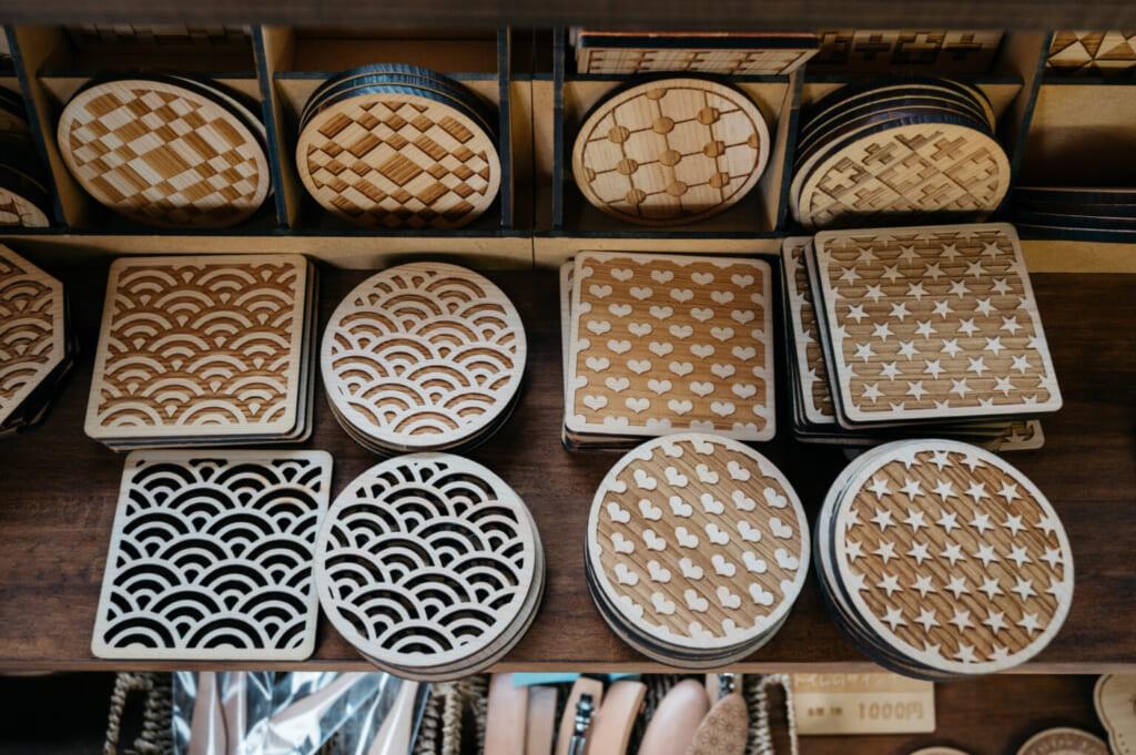 Réalisations en bois de camélia à Sankyodai Kobo