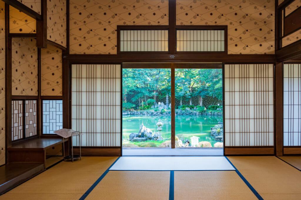 Intérieur de la résidence de samouraï Gotoshi, ouvert sur son jardin japonais