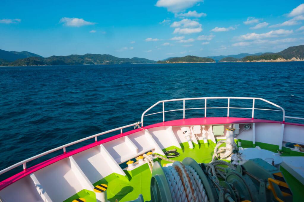 Vue depuis le ferry entre Fukue et Hisaka, deux des îles Goto