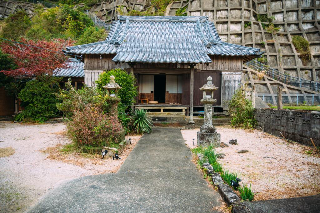 Séjour d'une nuit dans un temple: hébergement et détente à Oteragoto dans les îles Goto
