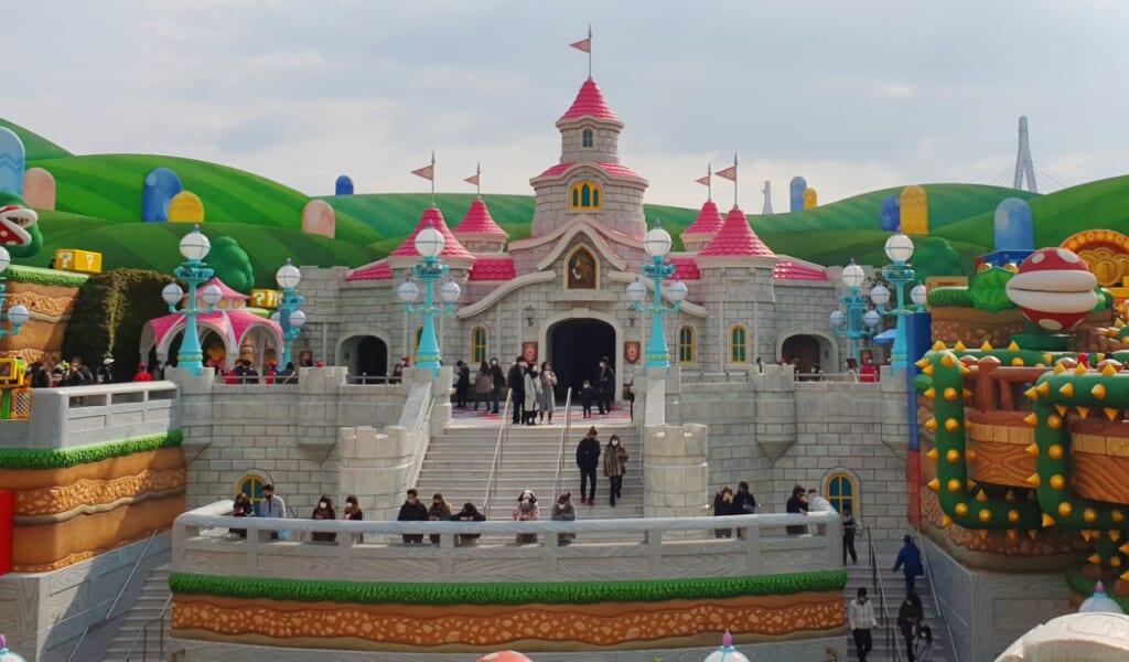 Le château de Peach à Super Nintendo World