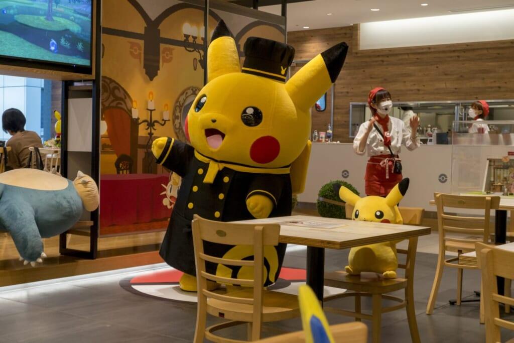 Le chef Pikachu au Pokémon Café
