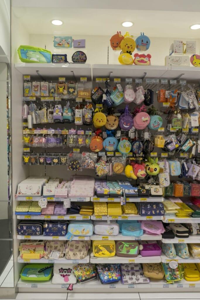 Goodies en vente dans un Pokémon Center