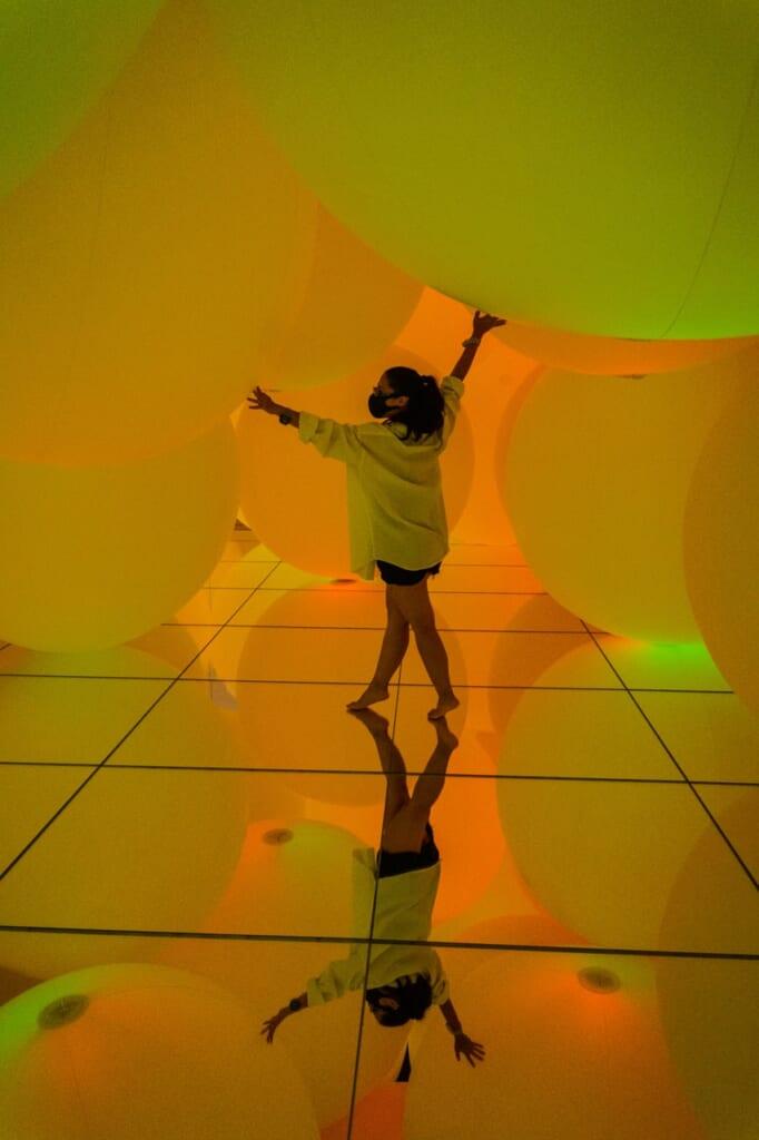 teamLab Planets est un musée interactif d'un tout nouveau genre