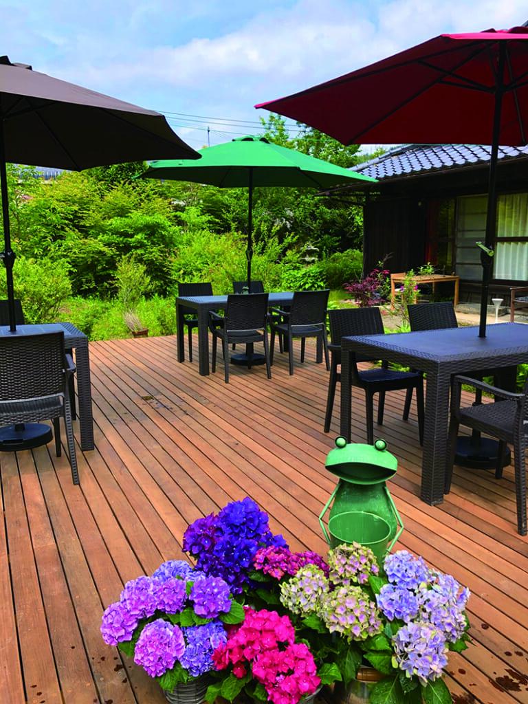 Terrasse d'un café au Japon