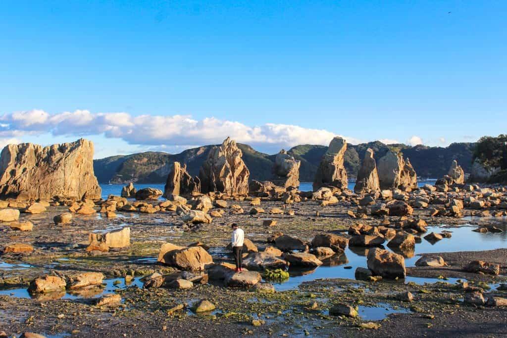 Les rochers de hashigui-iwa, sur la côte de Wakayama, au Japon