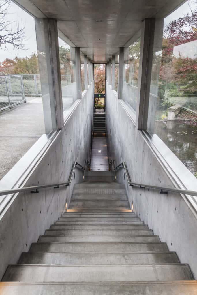 Passage souterrain aux apparences modernes