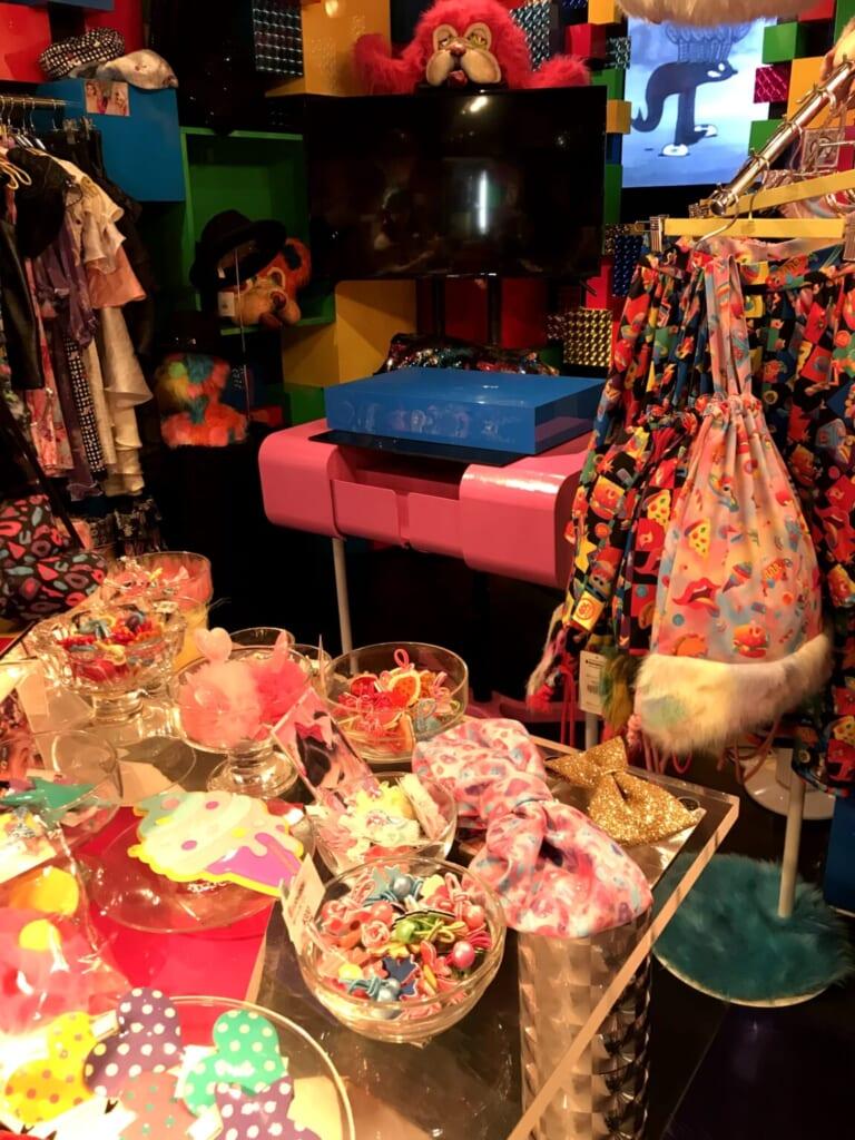 L'esthétique colorée et décalée de la boutique de Masuda