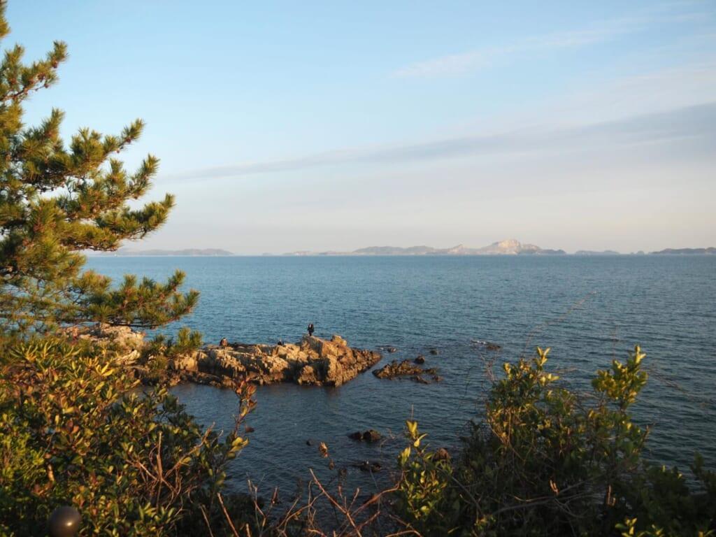 la vue de l'océan depuis la plage Fukuura fait rêver