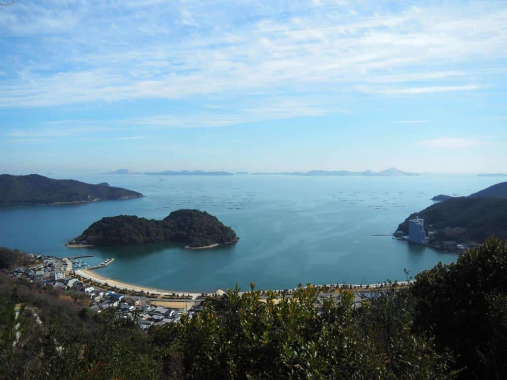 magnifique vue de la baie depuis le Mont Chausuyama