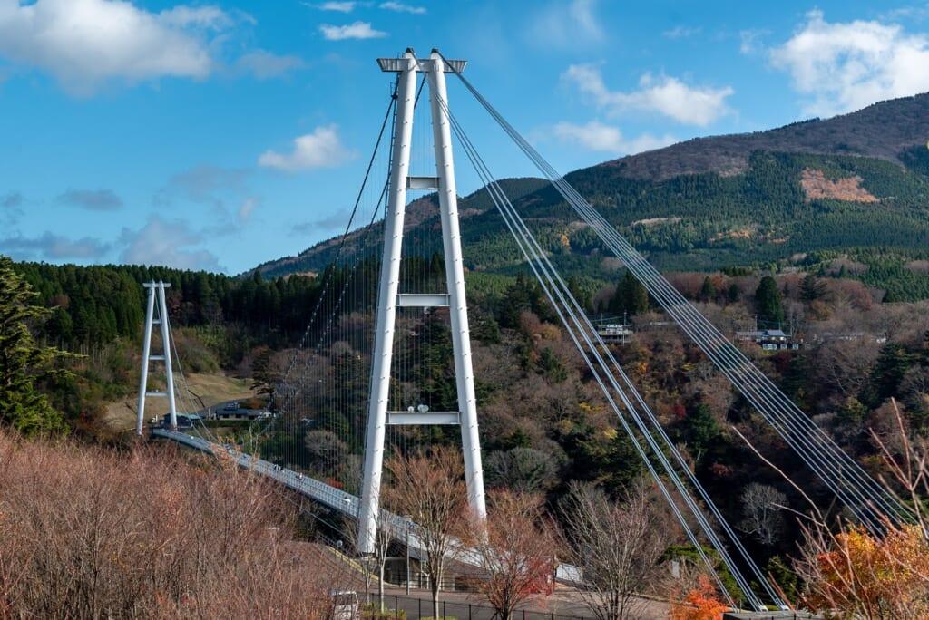 Le pont suspendu le plus haut du Japon se trouve dans la préfecture d'Oita