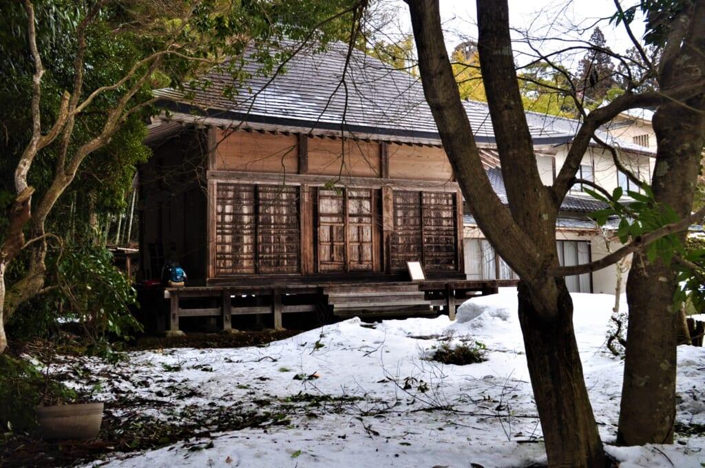Dans la forêt sur les traces du Chûson-ji