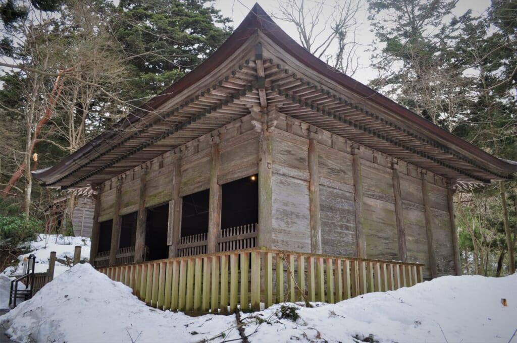 Ancienne structure où reposait le Konjiki-dô