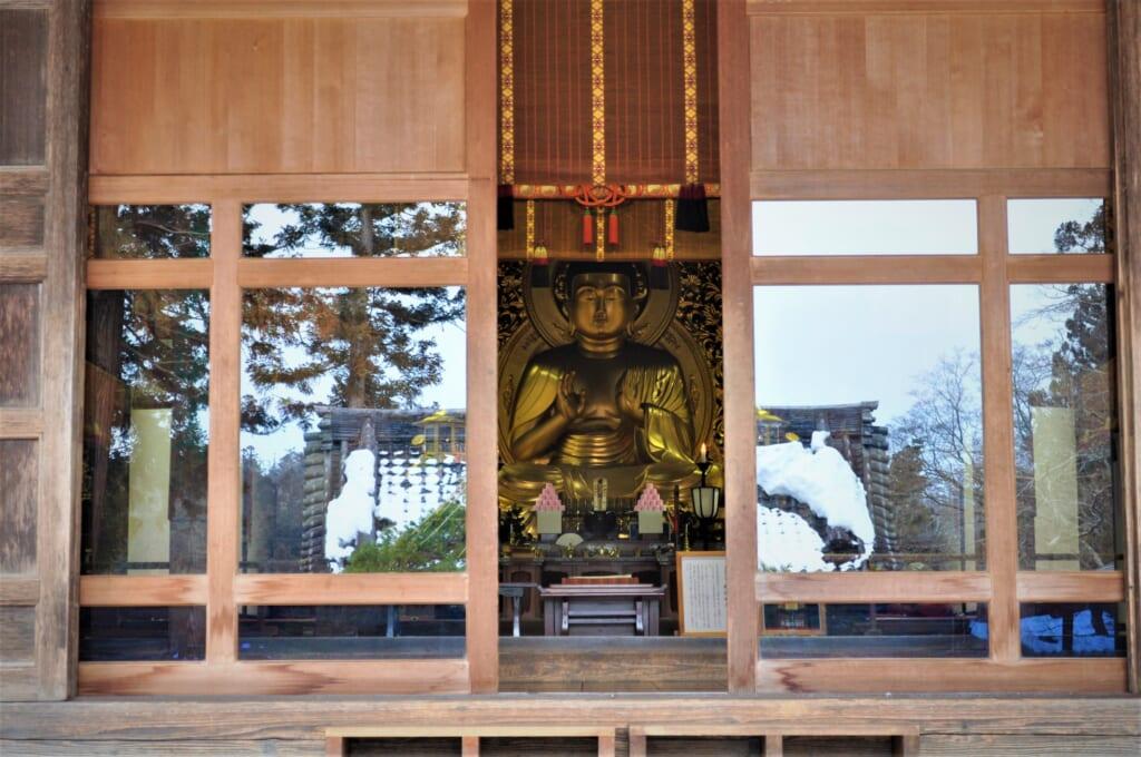 Bouddha géant du Hondô