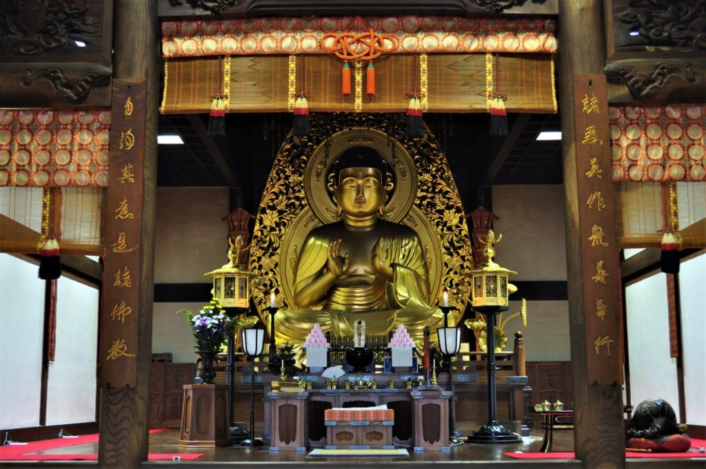 Le Bouddha géant du Hondô, une merveille sans nom