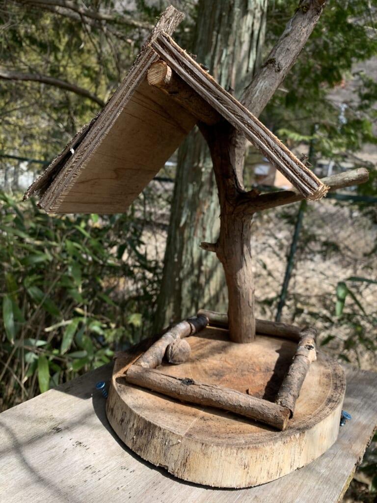 petite cabane pour oiseaux au Japon